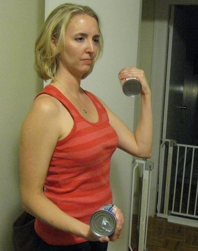bicep curls with soup cans