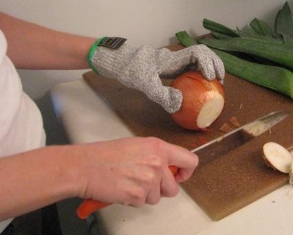 one anti-cut glove