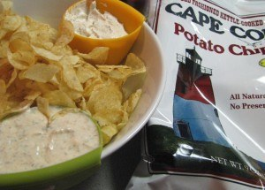 potato chips with dip
