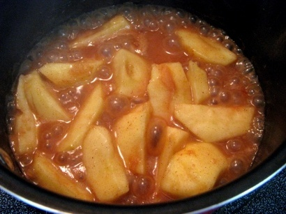 bubbling hot apples